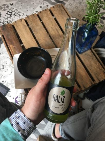 Glücklich, satt und zufrieden. Milis Cafe