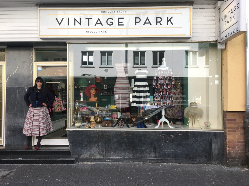 Nicole Park vor ihrem Concept Store: Vintage Park