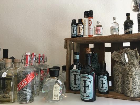 Ausgewählte Flaschen aus dem Gin-Sortiment