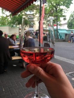 """Genuss im Glas. Ein Innerstädtischer Wochenmarkt. """"Das Märktchen"""""""