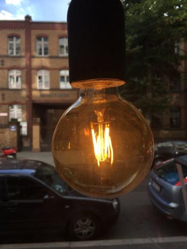 Lightbulb mit Blick auf die Heyne Fabrik.