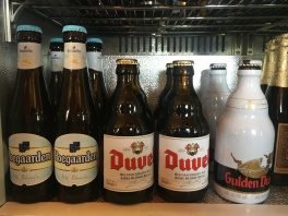 Hoegaarden Blanche 4,9% vol. / Duvel 8,5% vol. / Gulden Draak 10,5% vol.