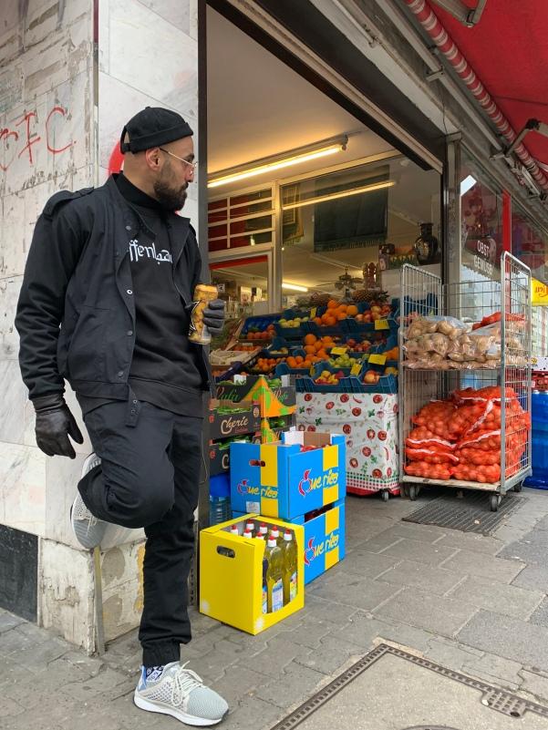 Den kleinen Supermarkt im Kiez, kennt Maziar schon ziemlich lange!