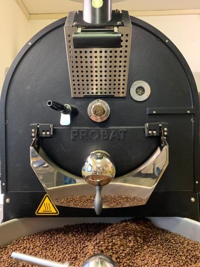 Das Herzstück der Kaffeerösterei Laier: Eine Kaffeeröstanlage aus dem Hause Probat. Profiqualität made in Germany!