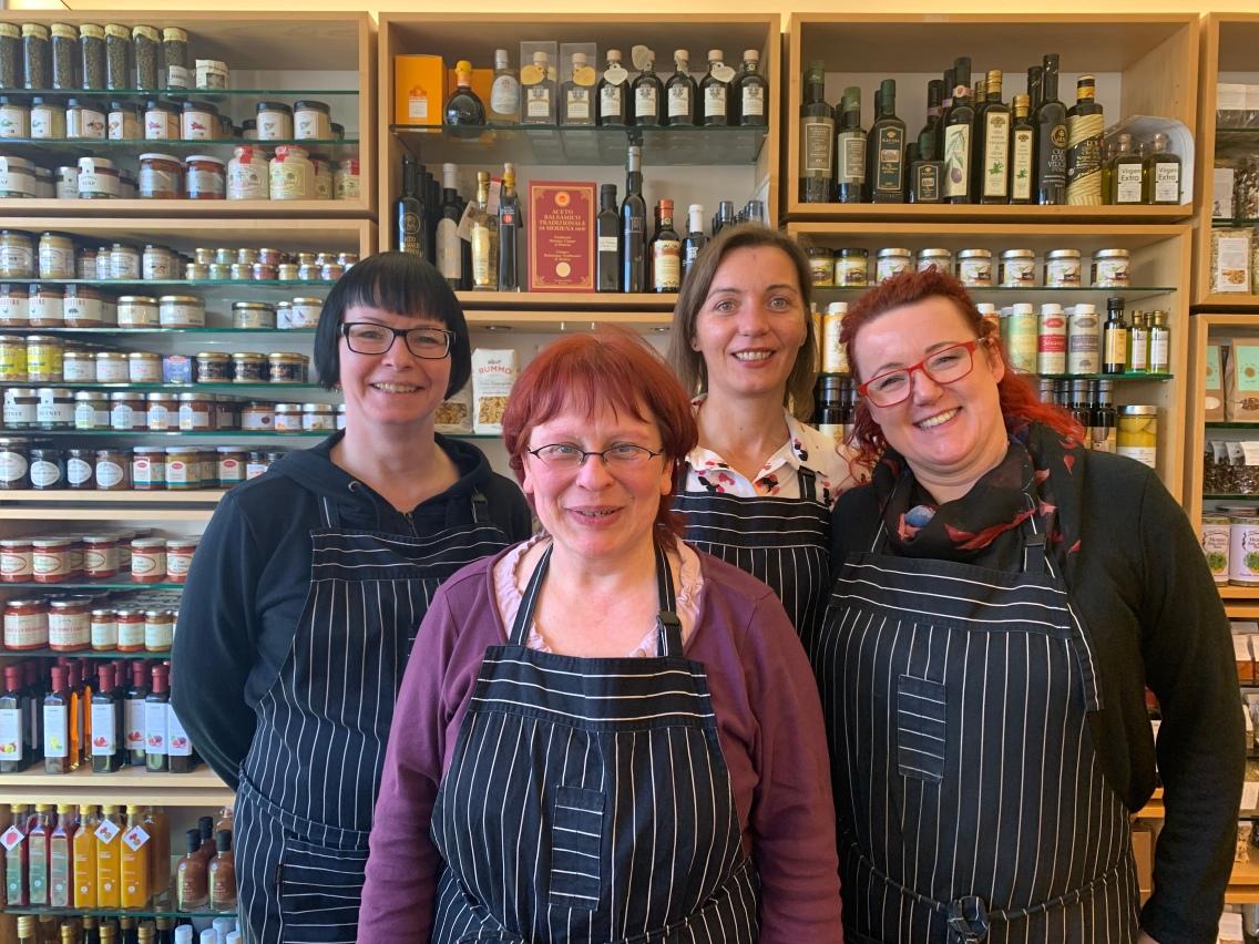 Die eingespielte und stets freundliche Crew hinter Annette Laier! Sandra, Steffi, Justyna und Claudia (v.l.n.r.)