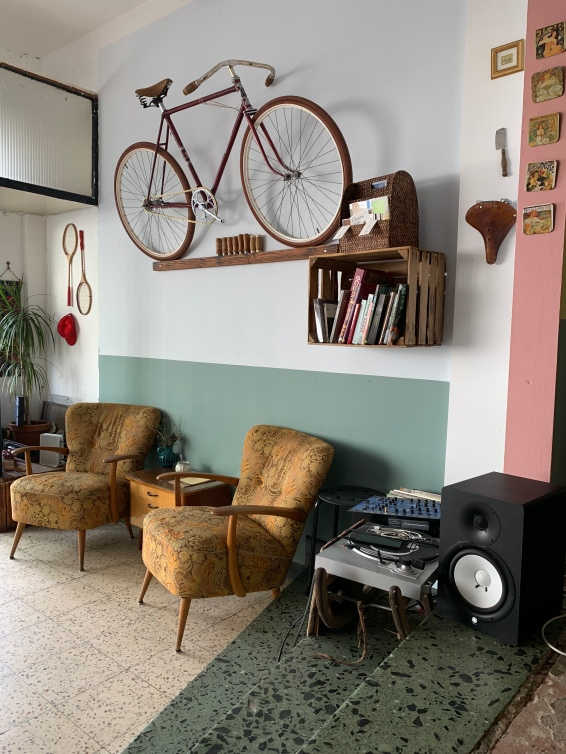 Die Einrichtungsgegenstände fügen sich perfekt-unperfekt ins Bild des My Piecycles!