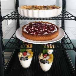 Auslagencheck: Quiche, Torte und Quark mit frischen Früchten!