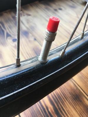 Die Verschlusskappe ist ein richtiger Hingucker. Ähnlich wie das zugehörige Fahrrad, im Schaufenster des My Piecycles!