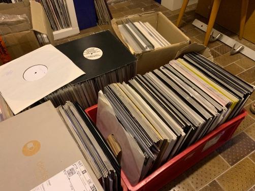 Mainrecords beherbergt aktuell ungefähr 100.000 kategorisierte Schallplatten, zu denen sich noch ungefähr 30.000 private sowie unzählige, noch zu sichtende Scheiben und Ankäufe addieren.