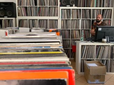 ... bereits seit 2007 bietet Christian seine Schallplatten auch zum Onlinekauf bei Discogs an!