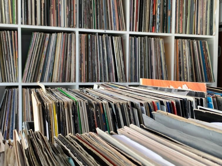Mainrecords beherbergt Techno, Electro und House Music, 60er, 70er und 80er Jahre Schallplatten aber auch verschiedene Jazz, RnB und HipHop Scheiben ...