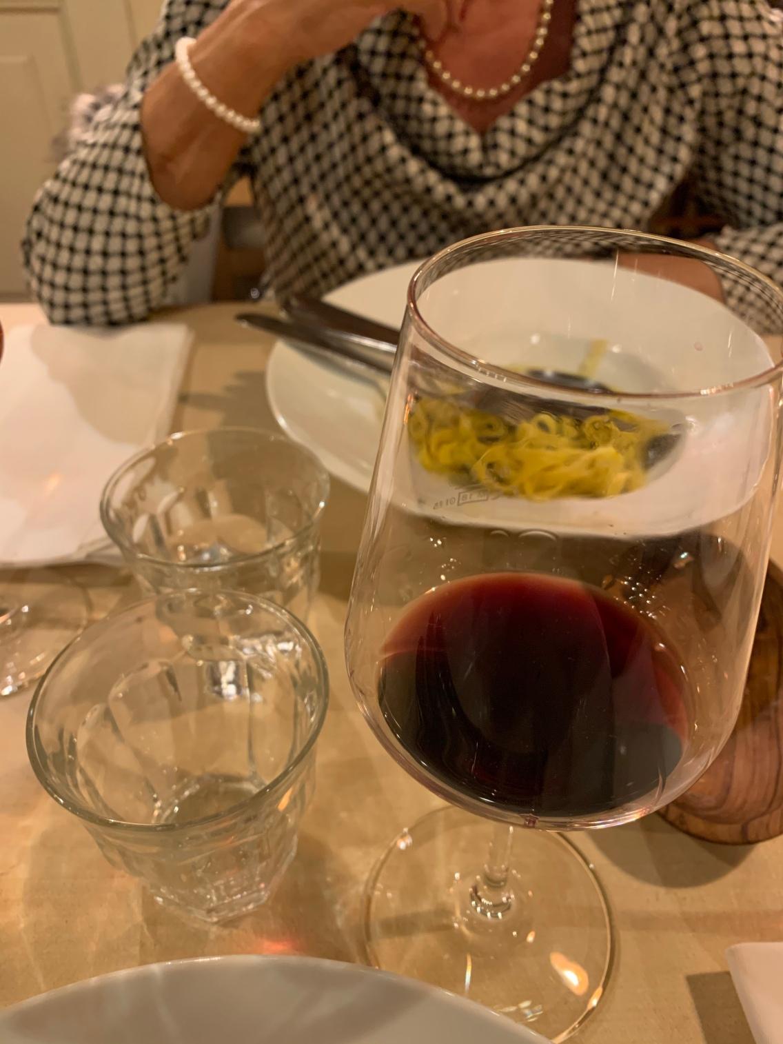 Nach dem Esse: Bei einem leckeren roten Primitivo den Abend ausklingen lassen!