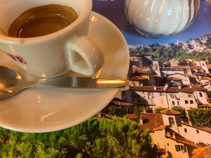 Rallenta, Rallenta: In der Ruhe ... und in einem Tässchen Espresso liegt die Kraft!