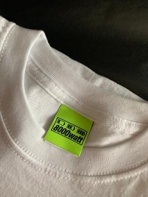Die Labels seiner Kollektionen lässt Julien in Deutschland fertigen und in einer kleinen Schneiderei in Offenbach einnähen!